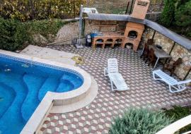 дом под ключ  - Крым Аренда дома с бассейном  Севастополь  под ключ