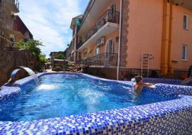 Коттедж 47 - Крым Николаевка  гостиница с питанием  бассейн