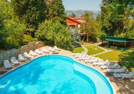 Муссон - Отель с бассейном  в Ялте