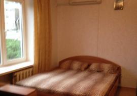 Продам 2-комнатную квартиру в г.Алушта. ул.Октябрьская(