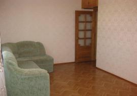 Продаю 2-комнатную  квартиру в г.Алуште